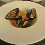 リッチ - 昆布森産ムール貝のワイン蒸し