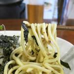 オーライ - もっちりした食感の太麺