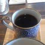 カフェ ファイミール - コーヒーは、なみなみ