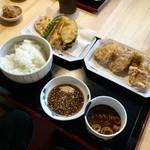 陣屋 - 豚ヒレ定食/780円(ごはんは大盛りになっています)