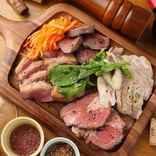 ステーキ食べたい時はMeat&WineBambuに集まれ!
