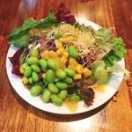 ピッツェリア マルーモ - ランチでは13時以降、前菜がサラダブュッフェに。こんな感じでモリッと野菜を摂取。
