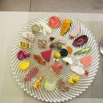 73705415 - 1゜Appetizer インサラティッシマ・リナシメント (30品目 瞬菜 旬魚 手作りサルーミ 果物の前菜)