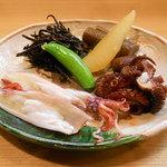 竹はる - 各種煮込み(ごぼう、ひじき、数の子、蛸煮など)