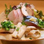 竹はる - 刺身盛合せ(マンボー、鯖、鯛、北寄貝、いかなど)