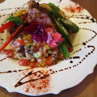 季節の味わいを楽しむ創作逸品料理