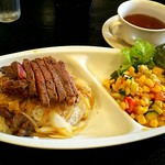 アーレス・コート - ステーキ丼¥850