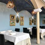 リストランテ カノビアーノ - サイドはロマンチックな内装