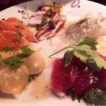 神戸豚と産直野菜バル CACHETTE - カルパッチョ盛り合わせ