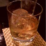 神戸豚と産直野菜バル CACHETTE - ウイスキー