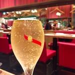 俺のイタリアン TOKYO - 表面張力を生かしたグラスシャンパン 1200円