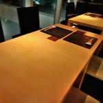京都 福ろく寿 - 内観写真:[内観] テーブル席 ①