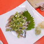 Yakitoriyamabuki - 新秋刀魚刺し  500円