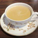 紅茶倶楽部 DADA - ドリンク写真:ロイヤルミルクティー(2017/09/22撮影)