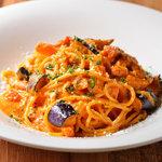 ミア ボッカ - ホエー豚ベーコンと「酵素卵」のフィレンツェ風トマトソース (2)