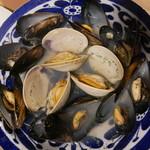 バル30 - 貝の白ワイン蒸し