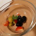 バル30 - オリーブ&トマト