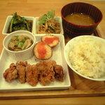 7374259 - ランチ お惣菜5品 830円(4月2日)