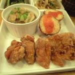 7374260 - 唐揚げ(注:写真はサービスの分も含まれてます)、うるちひえのコロッケ、里芋の料理(名前失念)