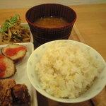 7374262 - 雑穀米、味噌汁
