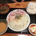 石川亭 - ランチ友の坦々風ゴマだれの豚バラ冷しゃぶ定食@880円。ごはんは大盛りです。