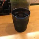 立食いそば 千花庵 - 冷たい水。       美味し。