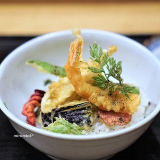 白 - 料理写真:ほら貝と久寿玉の薄葛仕立て