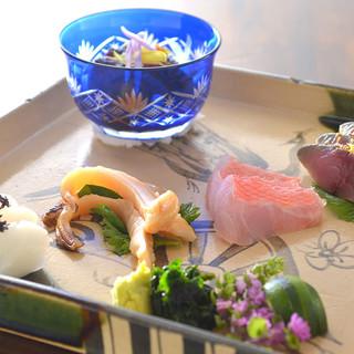 素材の組み合わせと相性の良さが光る、工夫を凝らした創作和食