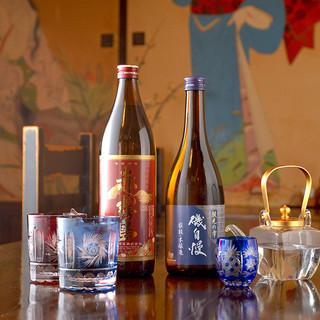 厳選した銘酒たちは、料理によく合う上品な口当たり。