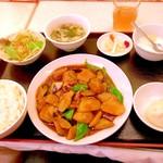 上海台所 - 茄子とジャガの芽とピーマン炒め。¥680。