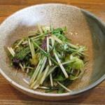 韓食堂 - サービスのサラダ
