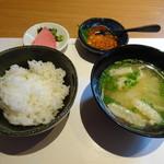 博多和食 いしくら - ◆ご飯セット 「いくら」まで付くのも驚きですが、客にとっては嬉しいこと。