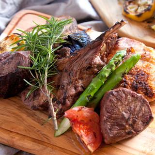 世界中から厳選した肉が大集合!今夜はお肉をとことこん楽しむ