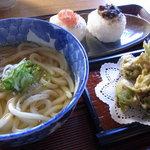 飯屋こふく - ふきの天ぷらとうどん