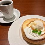 うふふカフェ - ふわふわスプレパンケーキセット 626円