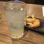 酔っ手羽横丁 - ダンディレモンサワー(450円)と手羽先
