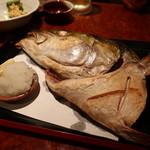 海鮮居酒屋 魚アツ - 鰤かぶと焼
