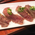 73777615 - ヤキニヌバルの極肉炙り寿司トリュフ仕立て