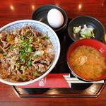 ジンギスカン霧島 - 焼きラム丼(浅漬け、味噌汁付き) 並盛り、肉増し、生卵