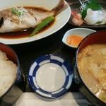 喰居来居や 和ん - 煮魚定食(芋煮セット)