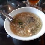 点心坊家常菜 ディムサムアゴーゴ - 満腹点心のスープ