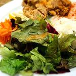 ビブバール - 若鶏モモ肉の自家製塩レモン唐揚げ