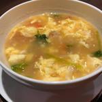 四川料理 芙蓉麻婆麺 - トマトと卵のスープ