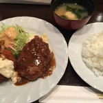 73795459 - ハンバーグ&エビクリームコロッケ(¥950)