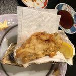 海老天 - 牡蠣の天ぷら 1000円。