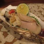 73795563 - 仙鳳趾の生牡蠣