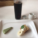 トリニティー - デザートもメチャ小さい…。 アイスコーヒーは業務用かな。
