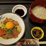 幸せの居酒屋 喜泉 - 豪華海鮮丼定食