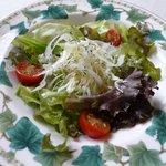 Cafe MaCachette - スズキのムニエルランチのサラダ