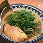 麺所 なんでやねん - 麺処なんでやねんの醤油麺650円